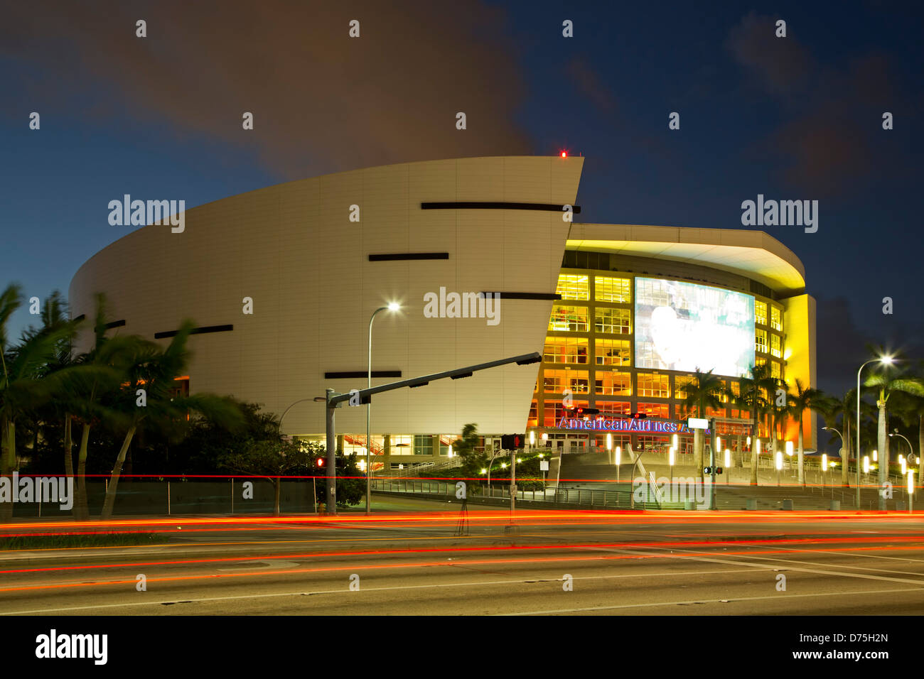 American Airlines Arena et traces légères, Miami, Floride, USA Photo Stock