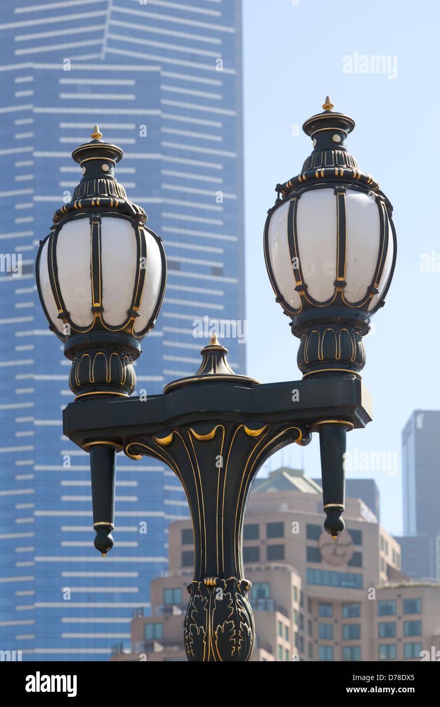 Les lampes de la rue Princes Bridge historique sur Melbourne, Australie Photo Stock