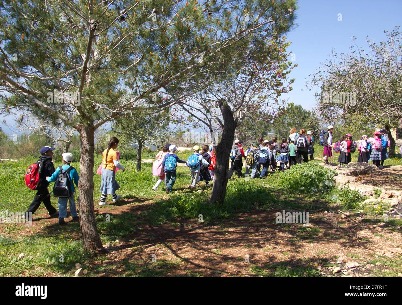 Les élèves de l'école primaire visite Adamit Park en Haute Galilée, Israël Photo Stock