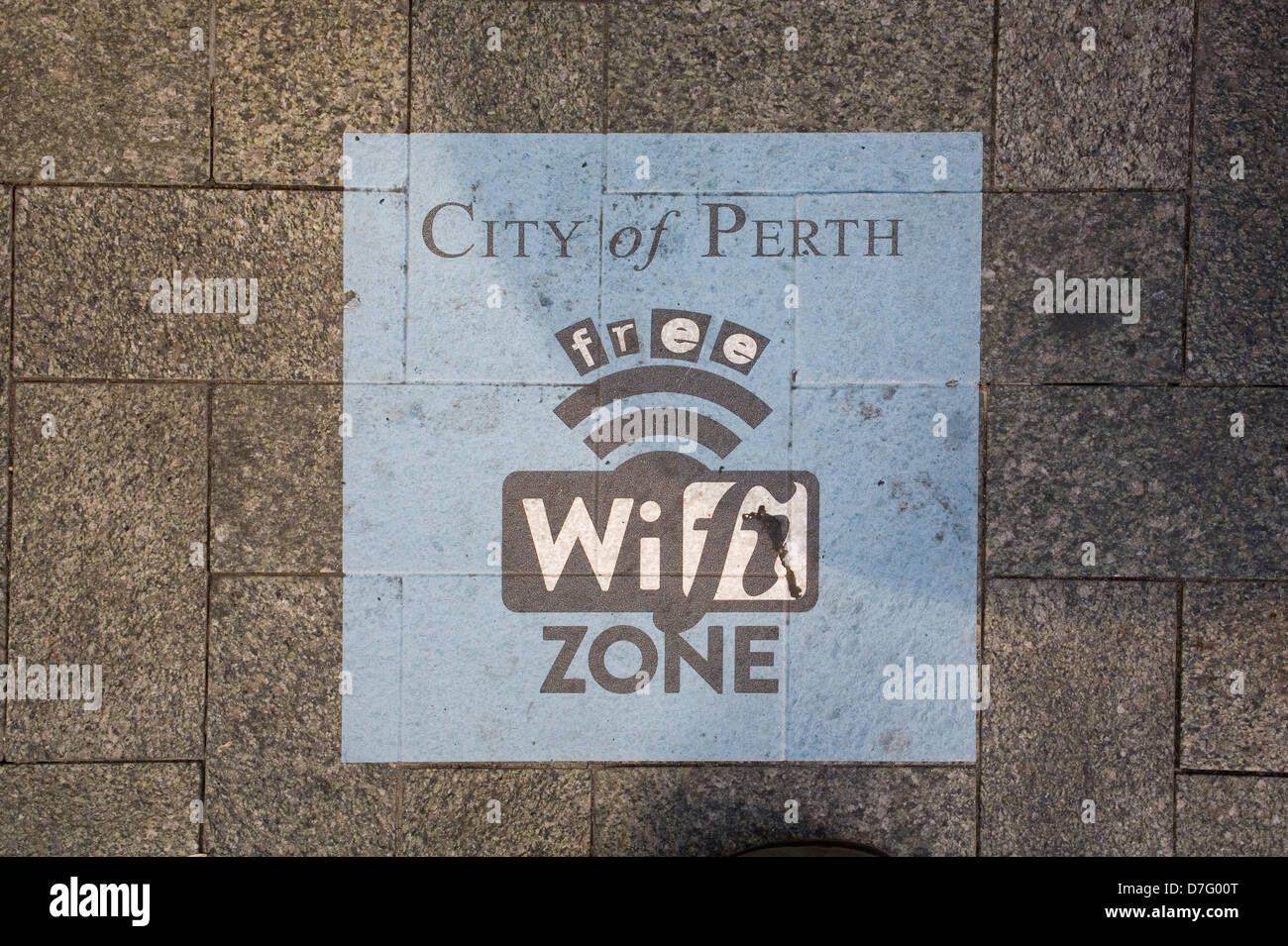 Free Wifi zone symbole sur le sentier menant au centre de Perth, Australie occidentale. Photo Stock