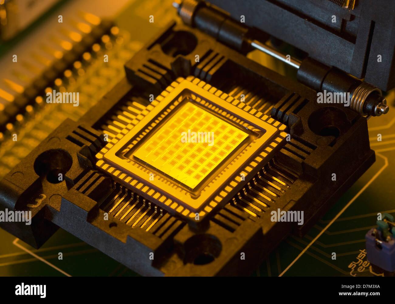 Puce électronique avec les piles à combustible, Close up Photo Stock