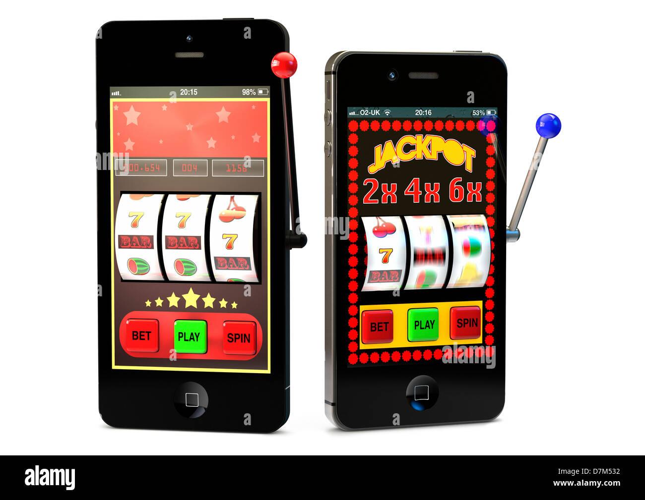 Les smartphones à l'aide de jeu en ligne Photo Stock