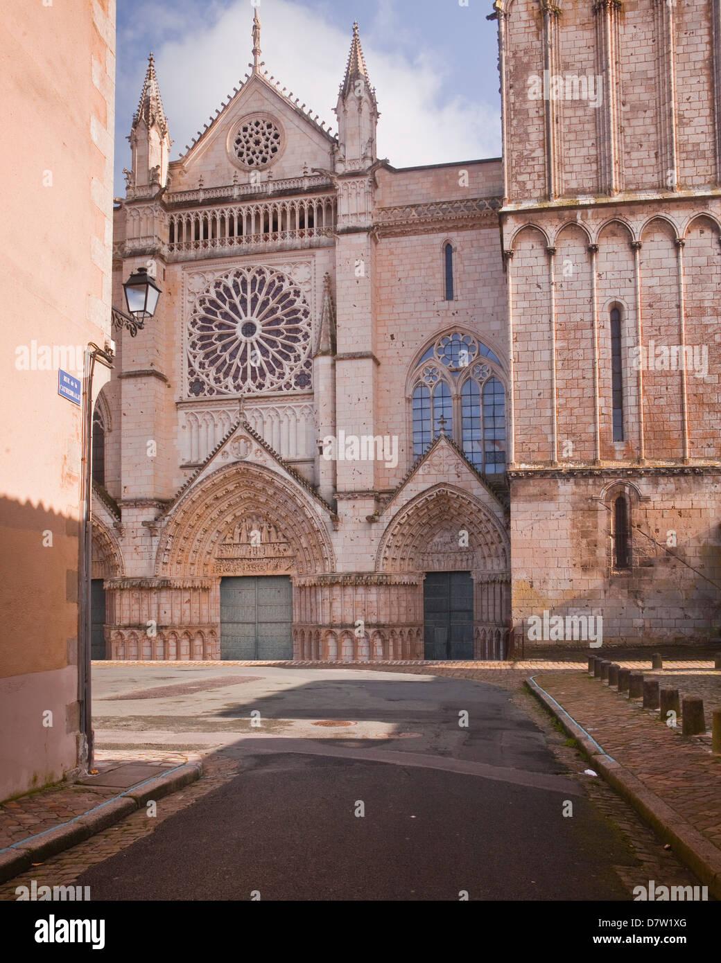 La cathédrale de Saint Pierre, Poitiers, Vienne, Poitou-Charentes, France Photo Stock