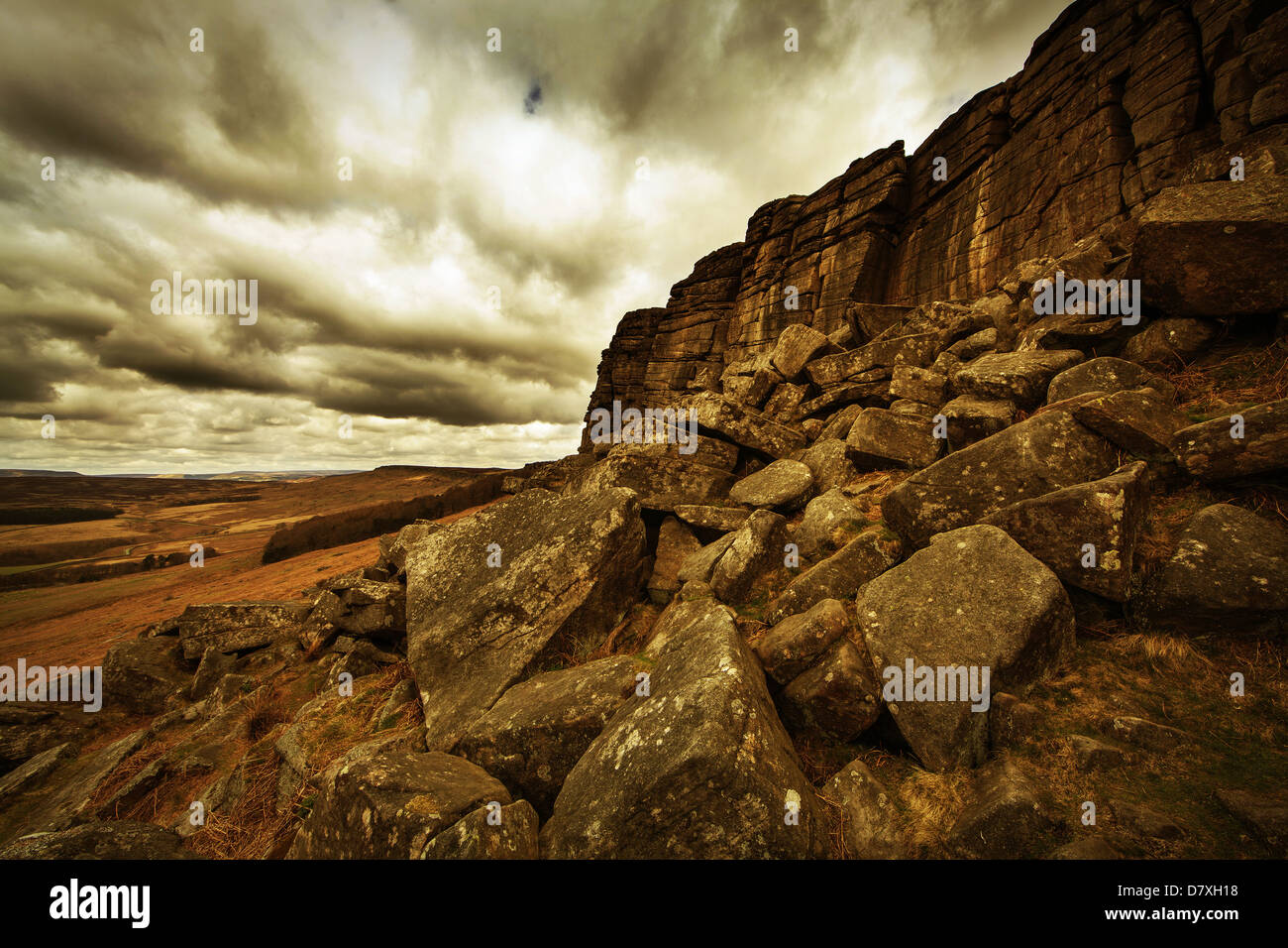 Falaises de roche stanage edge derbyshire peak district Photo Stock