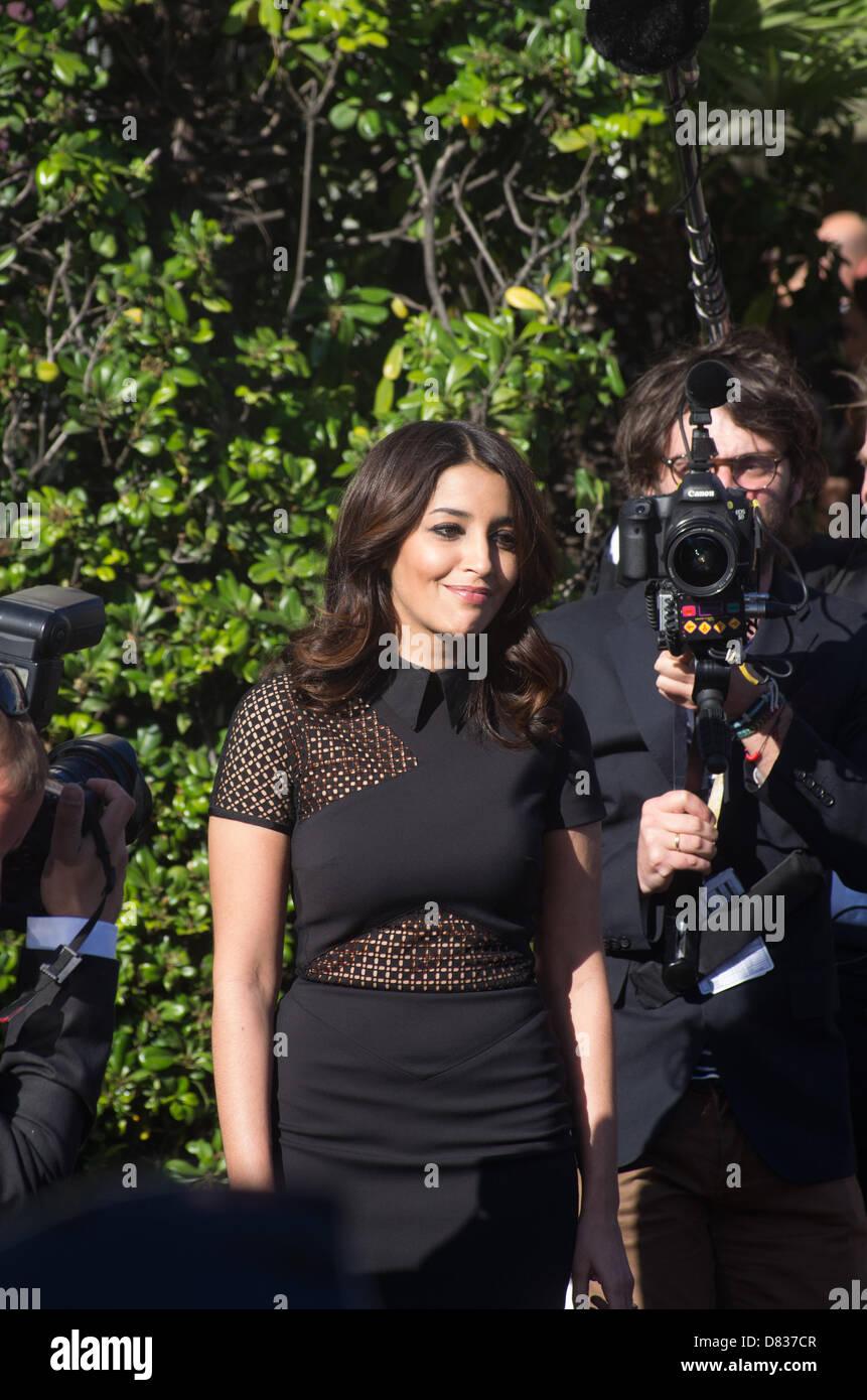 Cannes, France. 17 mai 2013. Leila Bekhti quitte l'hôtel
