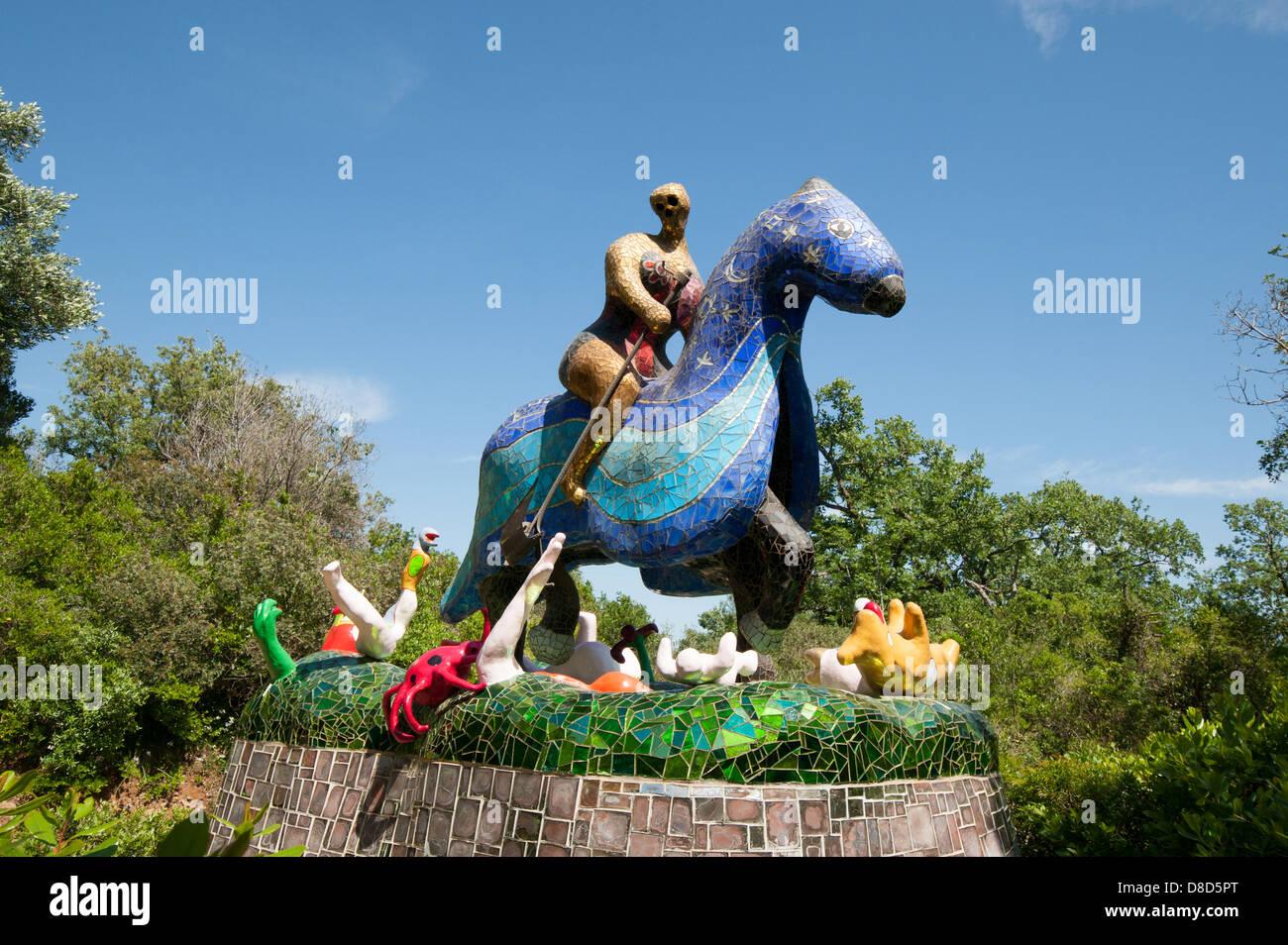 Jardin De Tarot Un Jardin De Sculptures Creees Par Niki De Saint