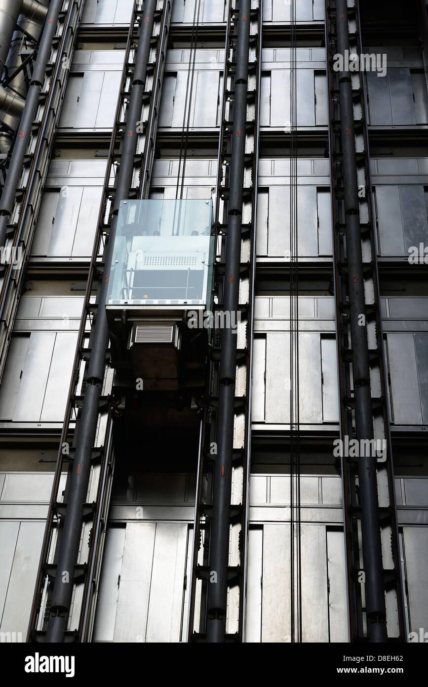 Ascenseur, Bâtiment Lloyds of London, Londres, Royaume-Uni. Photo Stock
