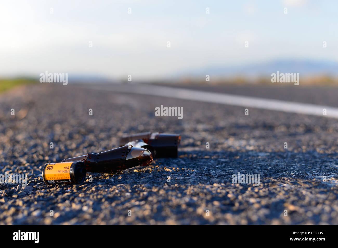 Rouleau de film abandonnés le long du côté de l'autoroute dans la région du Grand Bassin Photo Stock