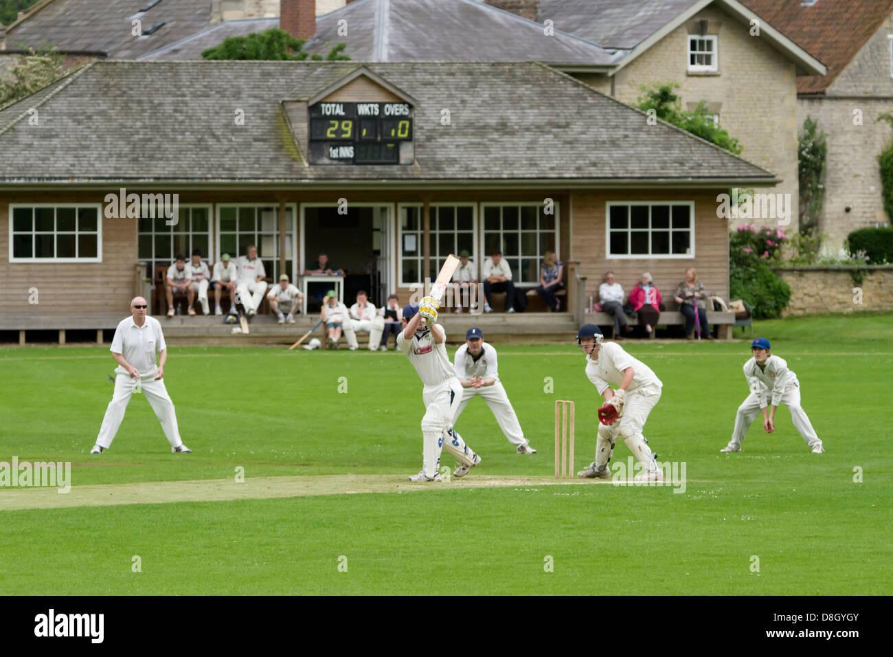 Match de Cricket Hovingham, Yorkshire du nord Photo Stock