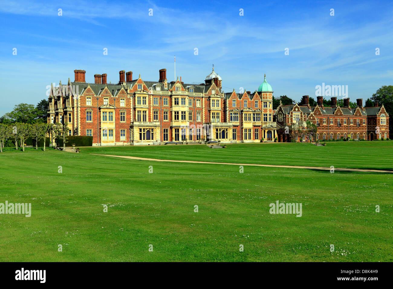 Sandringham House, Norfolk, country retreat de SM la Reine britannique du 19e siècle, l'architecture victorienne, en Angleterre, Royaume-Uni Banque D'Images