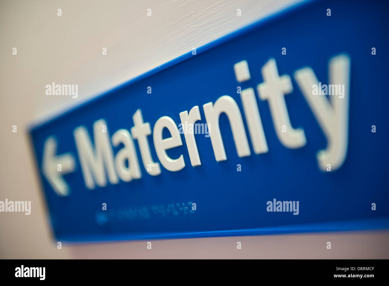 La signalisation de la maternité dans un hôpital moderne. Photo Stock