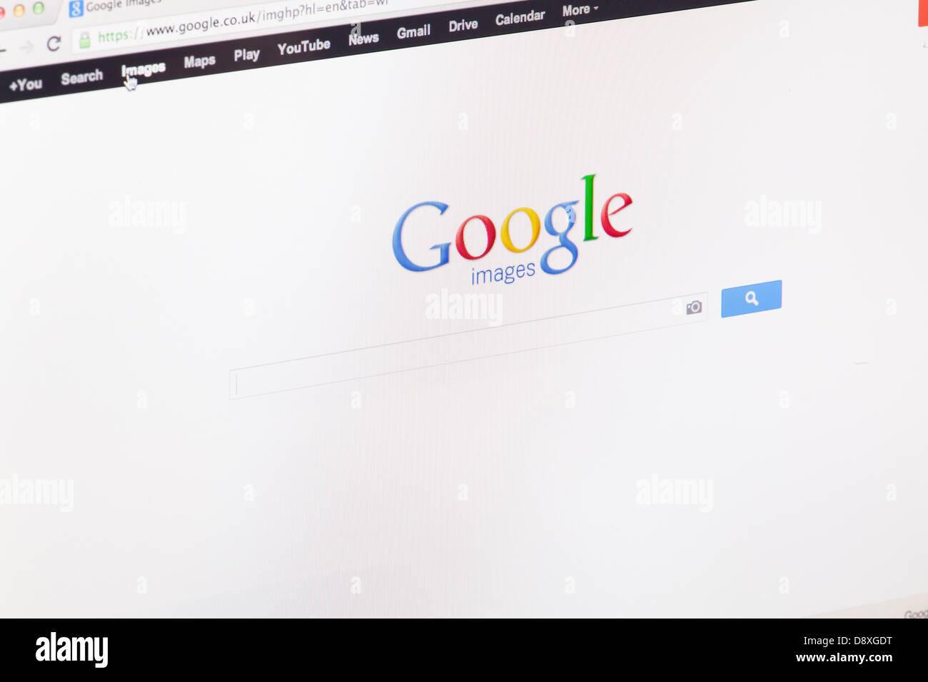 Google Recherche sur site ou page web sur un écran d'ordinateur portable ou un écran d'ordinateur Photo Stock
