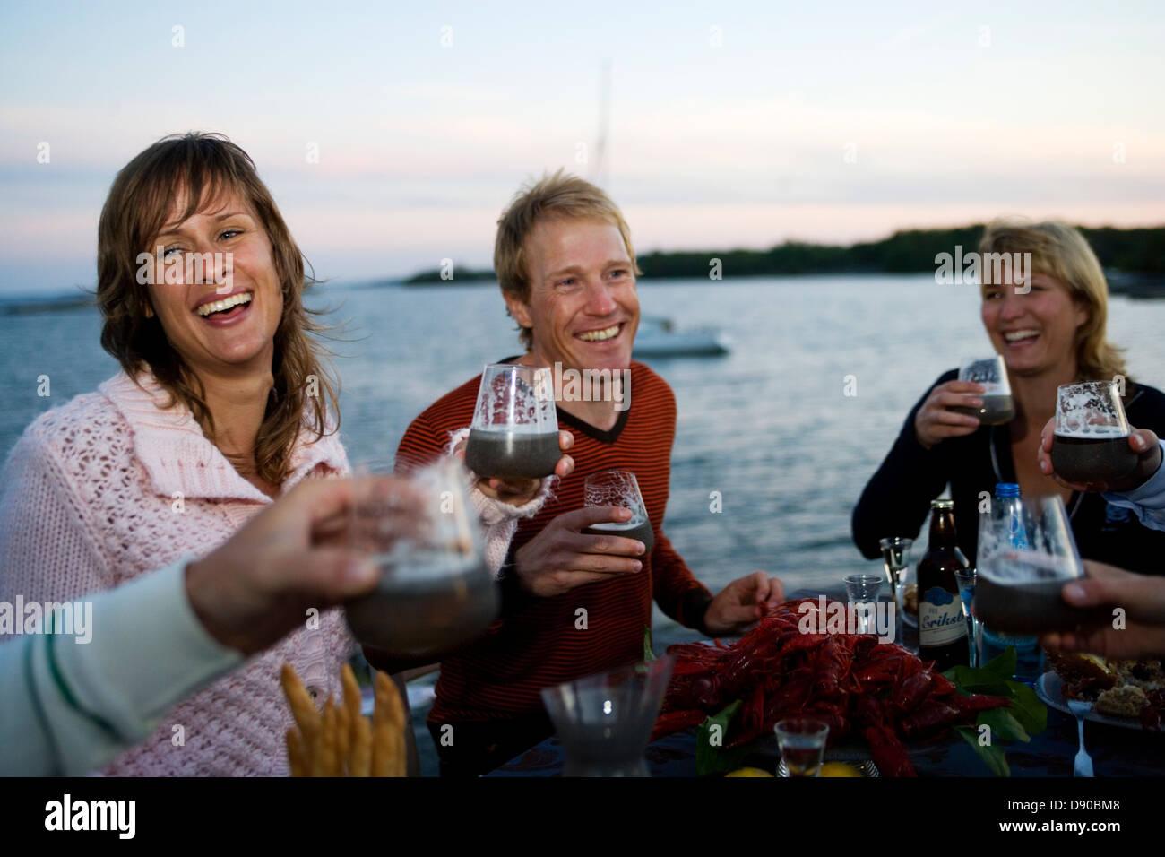 Party des écrevisses, Fejan, archipel de Stockholm. Banque D'Images