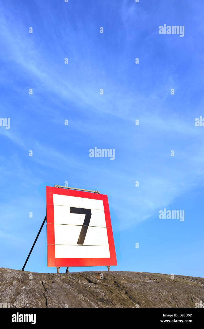 Une limitation de vitesse, la Suède. Photo Stock