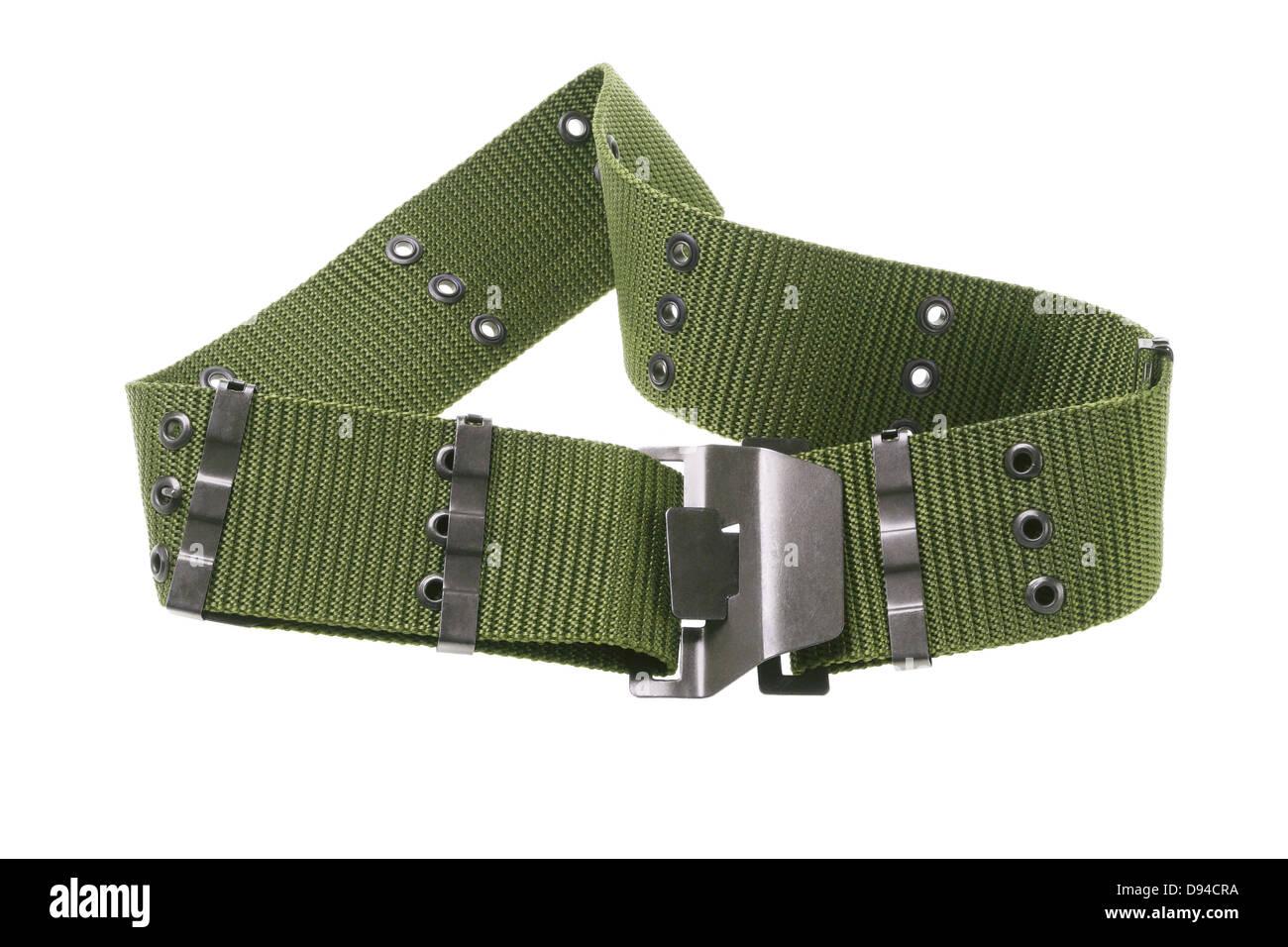 496569adccb4 Ceinture militaire en toile de nylon vert sur fond blanc Banque D ...