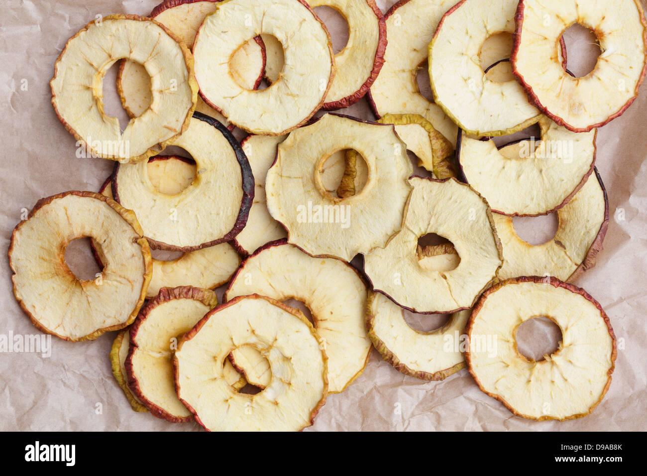 Anneaux de pommes séchées Photo Stock
