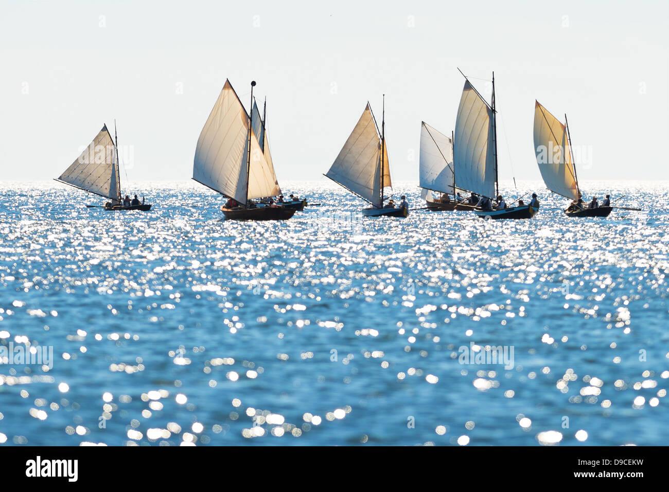 Barques postal entre Grisslehamn (Suède) et de municipalités (Åland) par temps ensoleillé Photo Stock