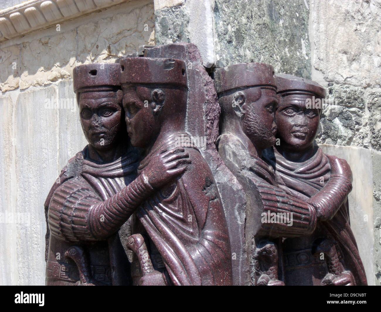 Le Portrait des quatre Tetrarchs (un groupe de quatre empereurs romains), sur la façade de San Marco à Photo Stock