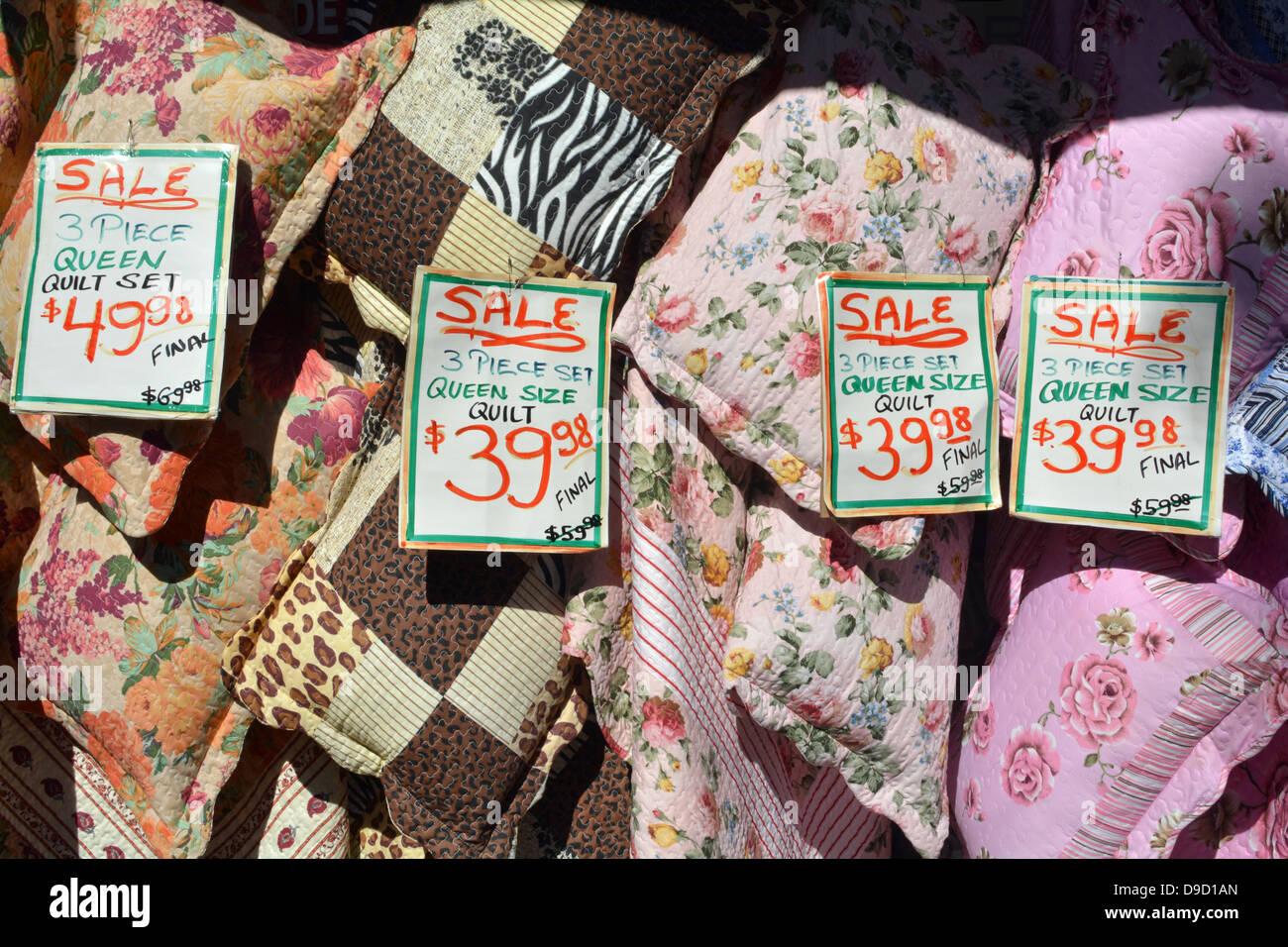 e2cf9a3f Quilts en vente à un tissu boutique à Jackson Heights, un quartier indien  dans le