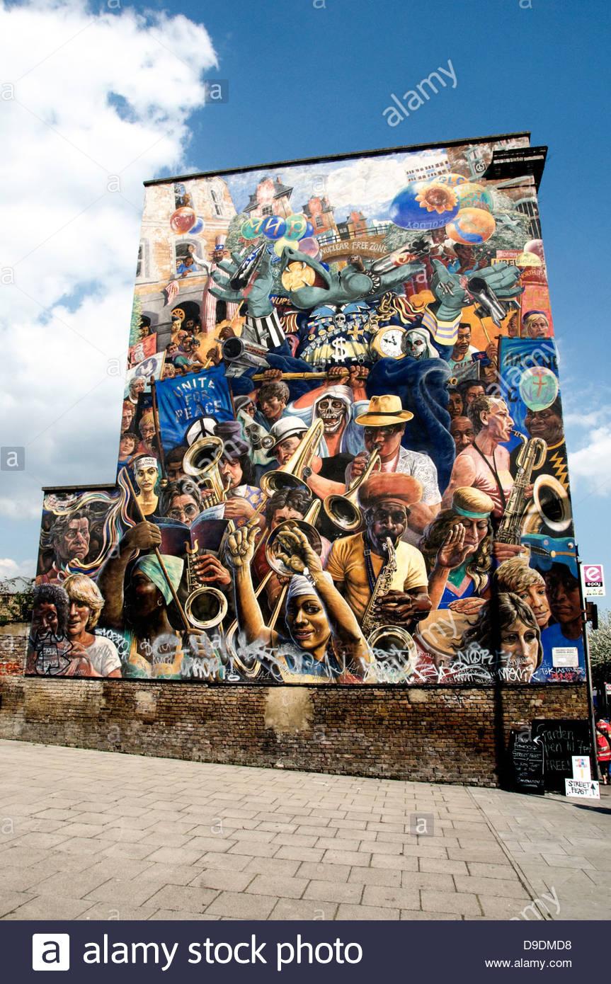 Carnaval de la paix de Hackney, Dalston Lane murale, Dalston, London Borough of London, England, UK Photo Stock