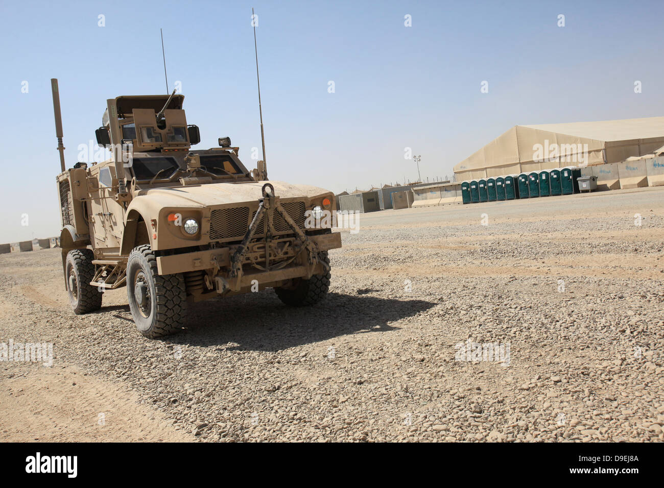 Un Oshkosh M-ATV se trouve stationné au camp Sapadalure, Afghanistan. Photo Stock