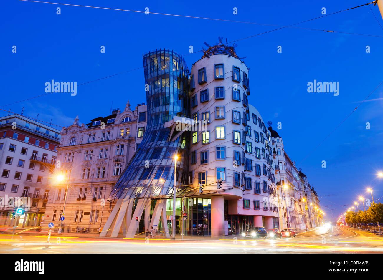 Fred et Ginger École de danse, Dancing House, conçue par Frank O Geary, Prague, République Tchèque Photo Stock