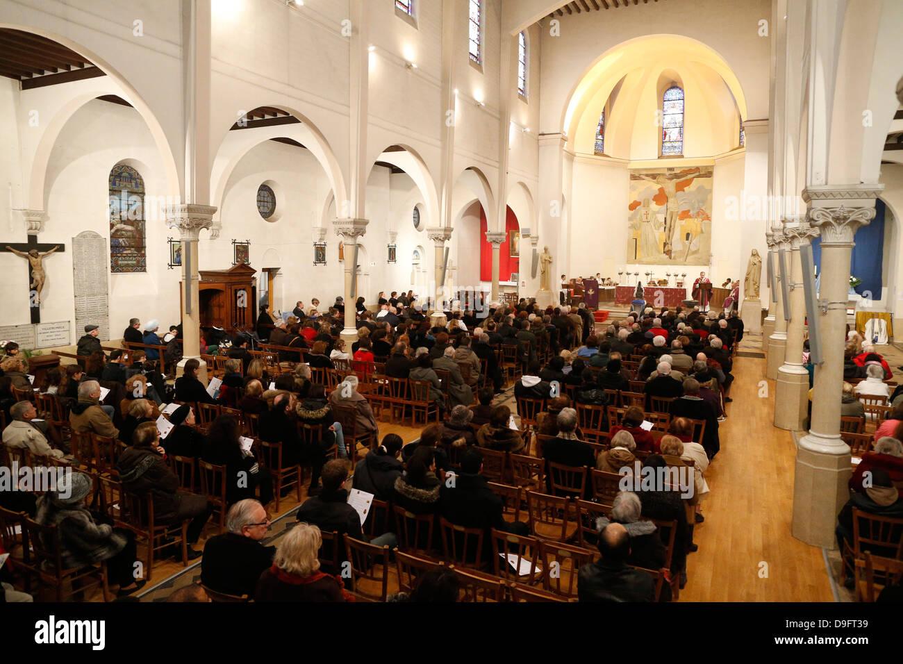 La messe du dimanche, Villemomble, st. Denis, France Photo Stock