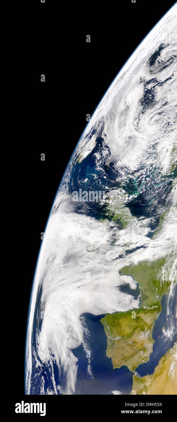 Vue de la Terre vue de l'espace montrant bloom phytoplanctonique entre l'Islande et le Royaume-Uni. Banque D'Images