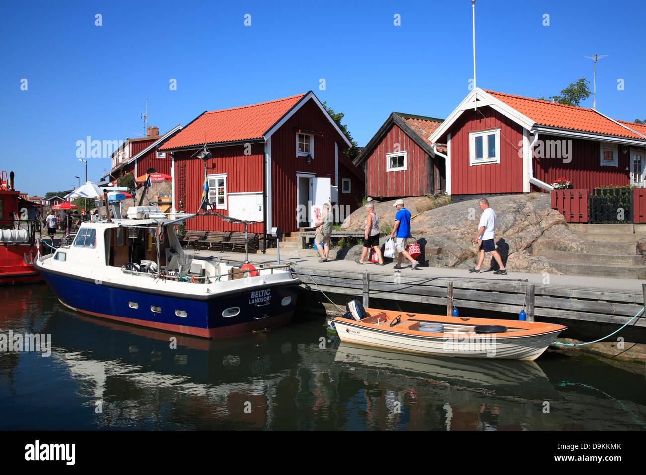 Port de l'île de Landsort (Oeja), archipel de Stockholm, côte de la mer Baltique, la Suède, Scandinavie Photo Stock