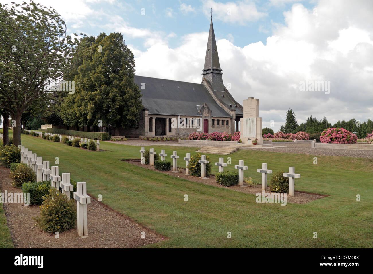 Souvenir Francais chapelle en face de l'Rancourt Cimetière National Français, Rancourt, Somme, Picardie, Photo Stock