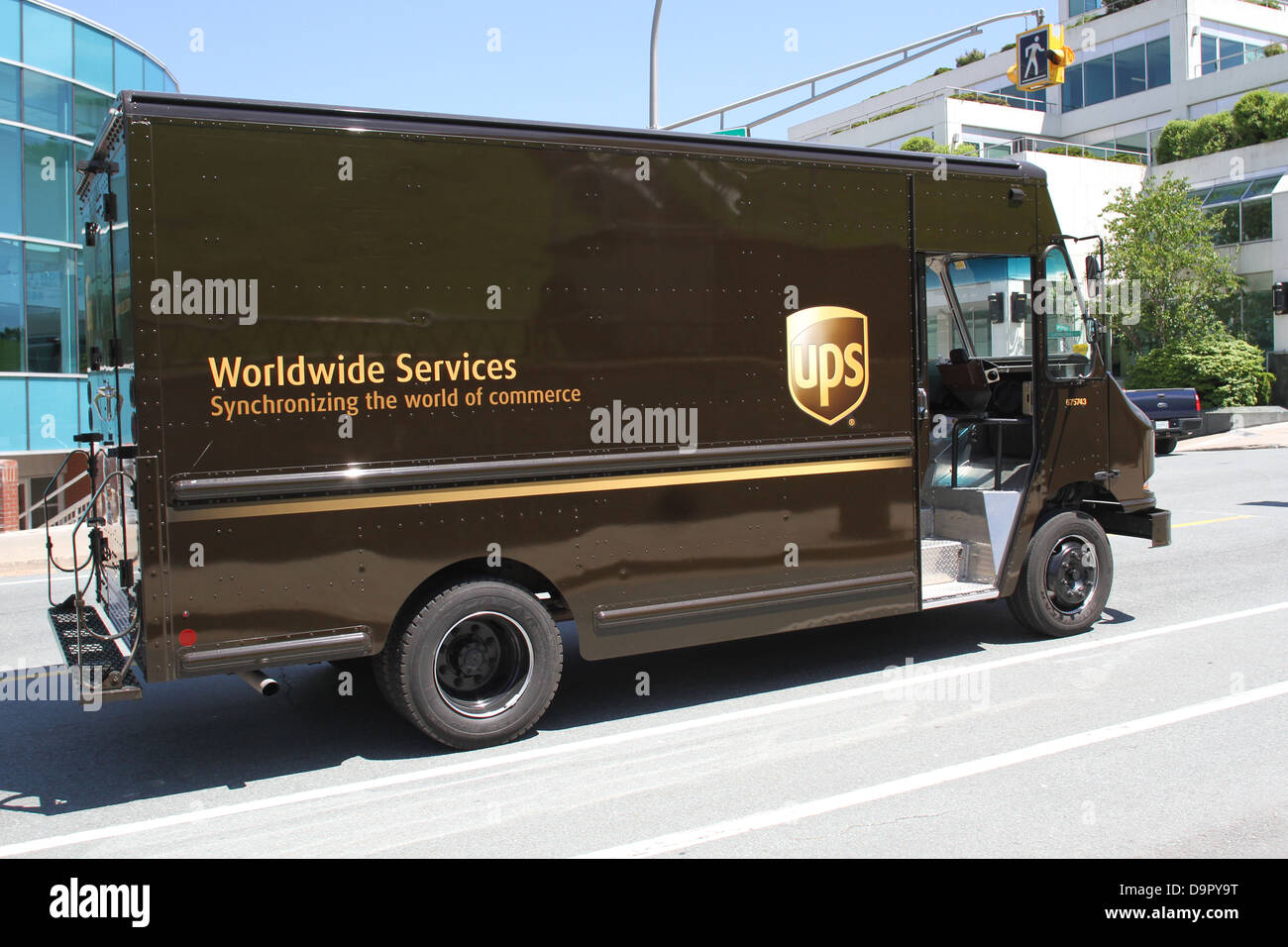 Ups delivery photos & ups delivery images page 2 alamy