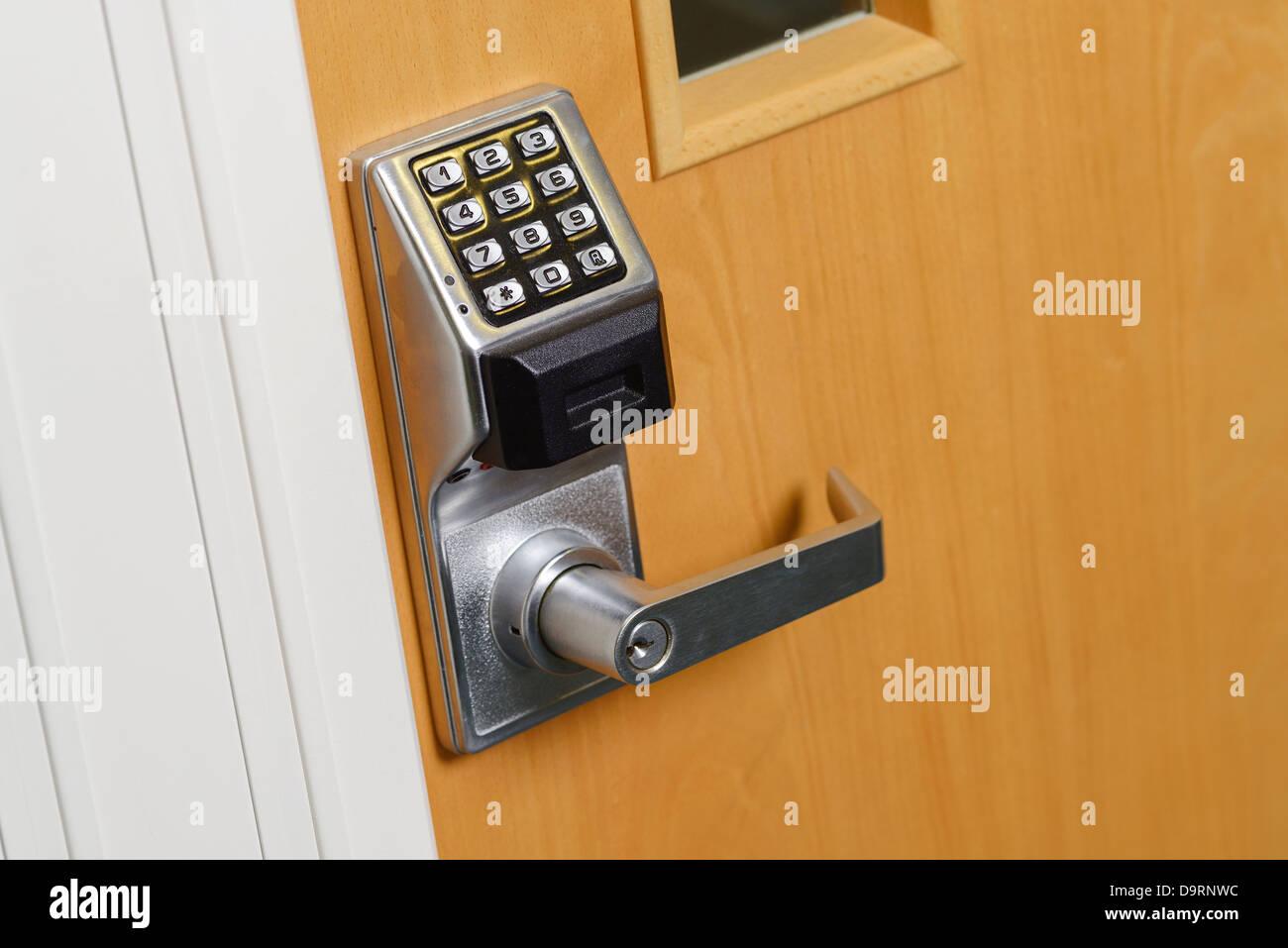 Clavier numérique de la poignée de porte de bureau Photo Stock