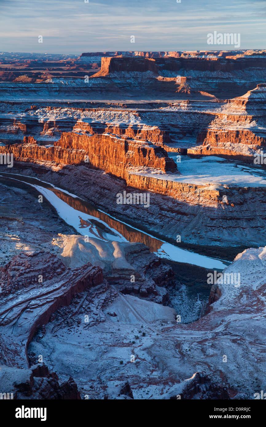 La vallée du Colorado à partir de Dead Horse Point à l'aube, Utah, USA Photo Stock