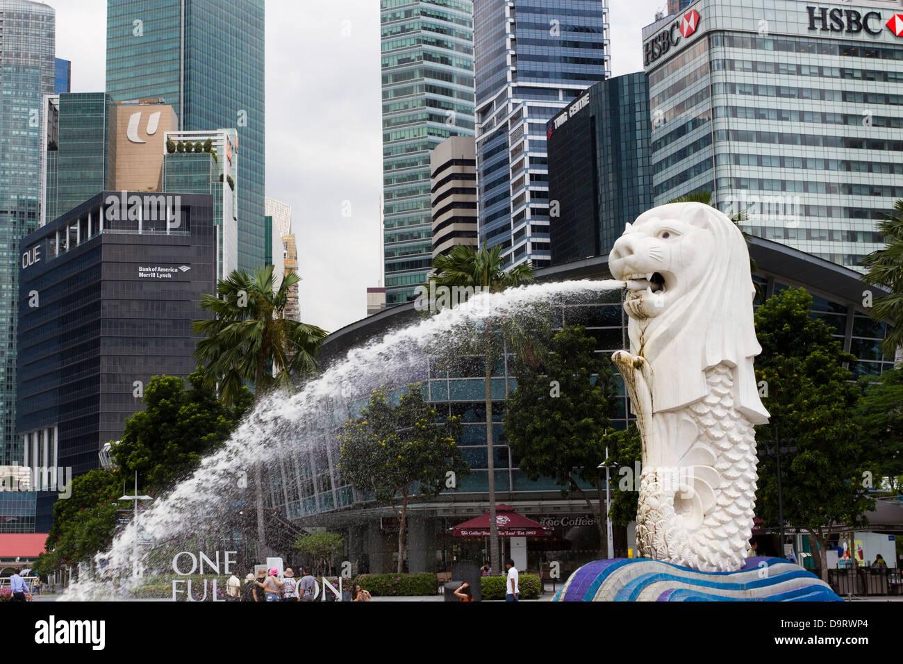 Marina Bay, Singapour, statue du Merlion Banque D'Images