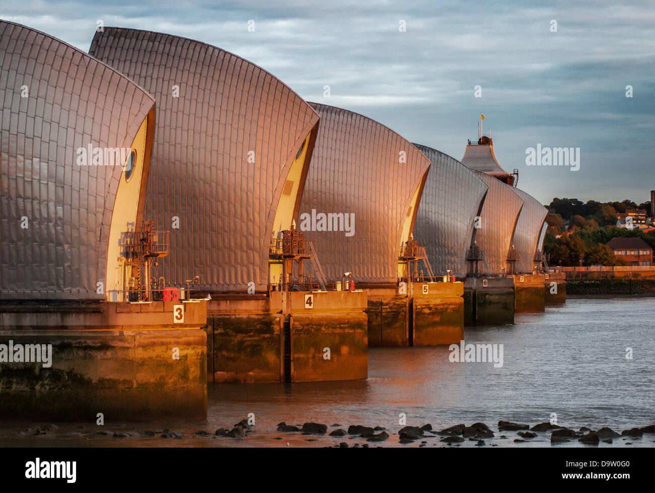 La rivière Thames Flood Barrier à Londres, en Angleterre. Photo Stock