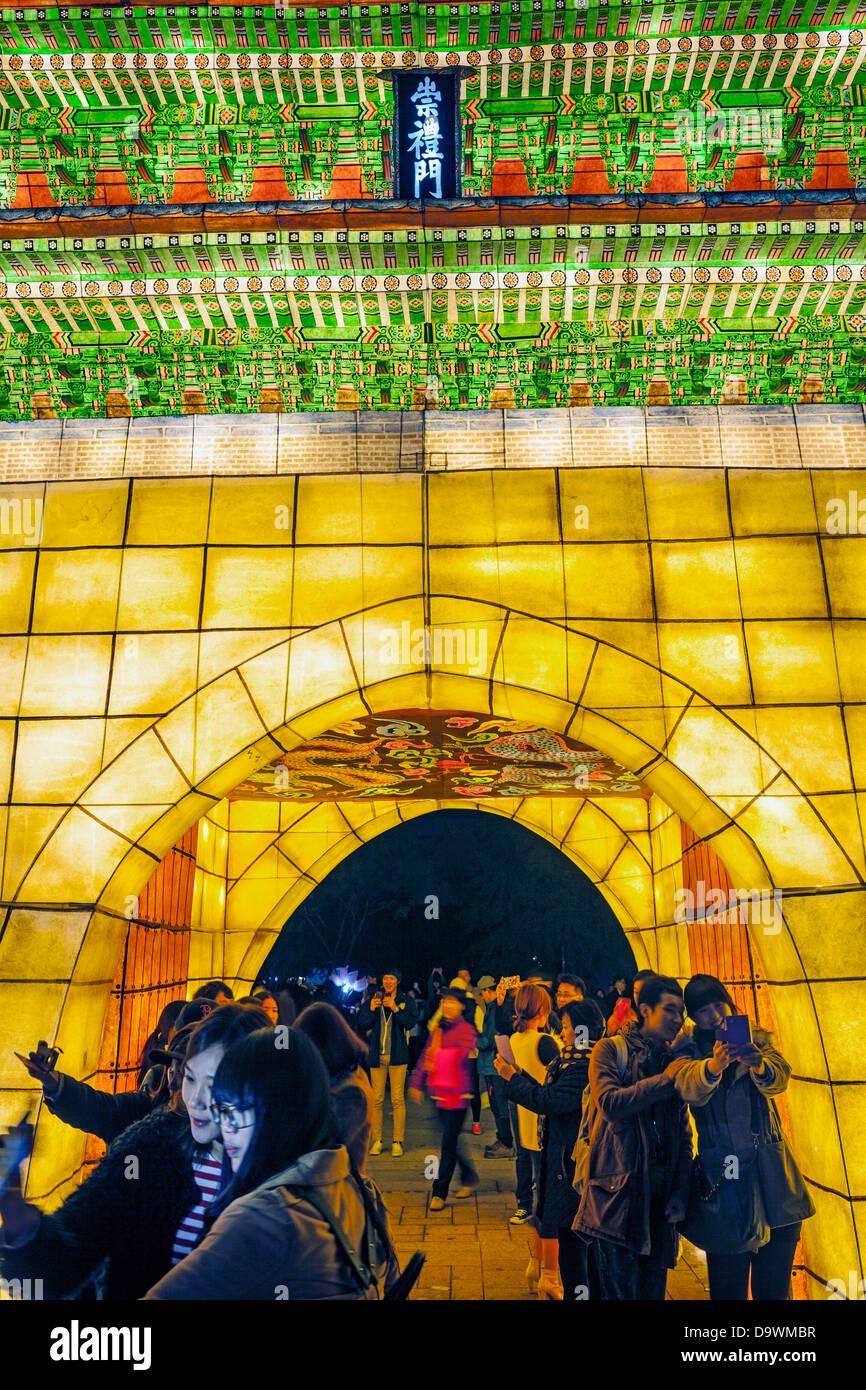 Fête des lanternes qui a lieu chaque année en novembre, Séoul, Corée, Asie Photo Stock