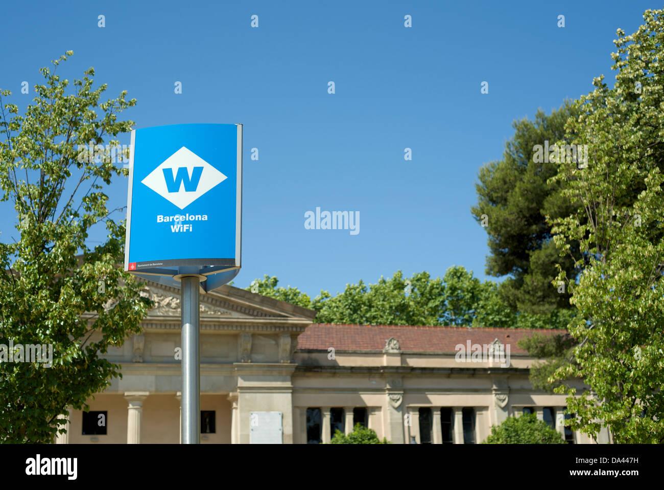 Poteau de signalisation pour les hotspot wi-fi à Barcelone, Espagne Photo Stock