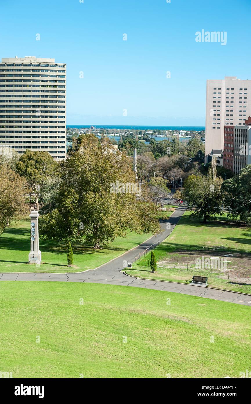 Centre-ville de Melbourne près de Kings Domain. Banque D'Images