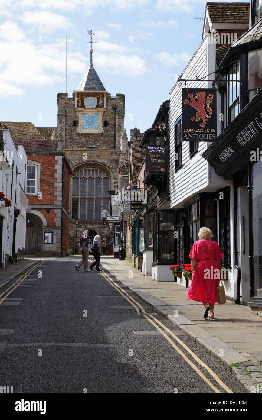 Lion Street et St Mary's Church, Rye, East Sussex, Angleterre, RU, FR Photo Stock
