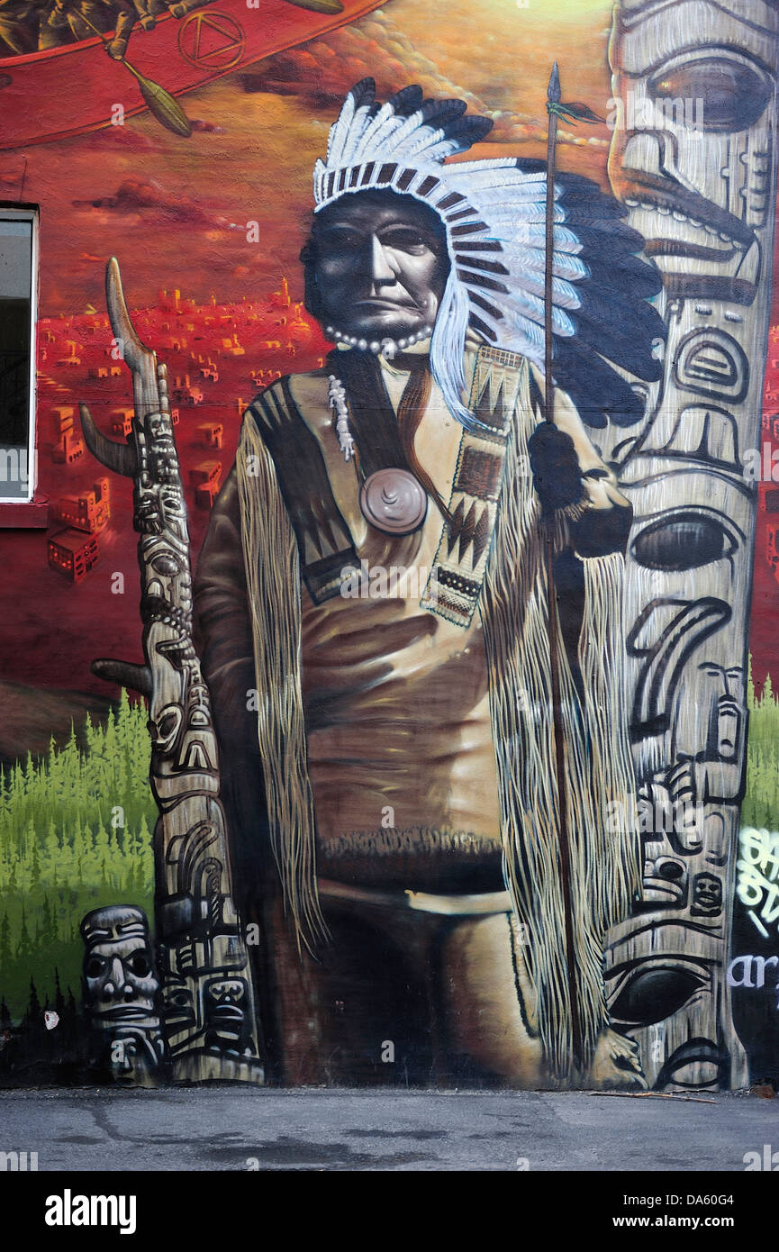 Canada, Montréal, Québec, Vieux Ville, l'art, chef, colorées, couleurs, plumes, indienne, murale, Photo Stock