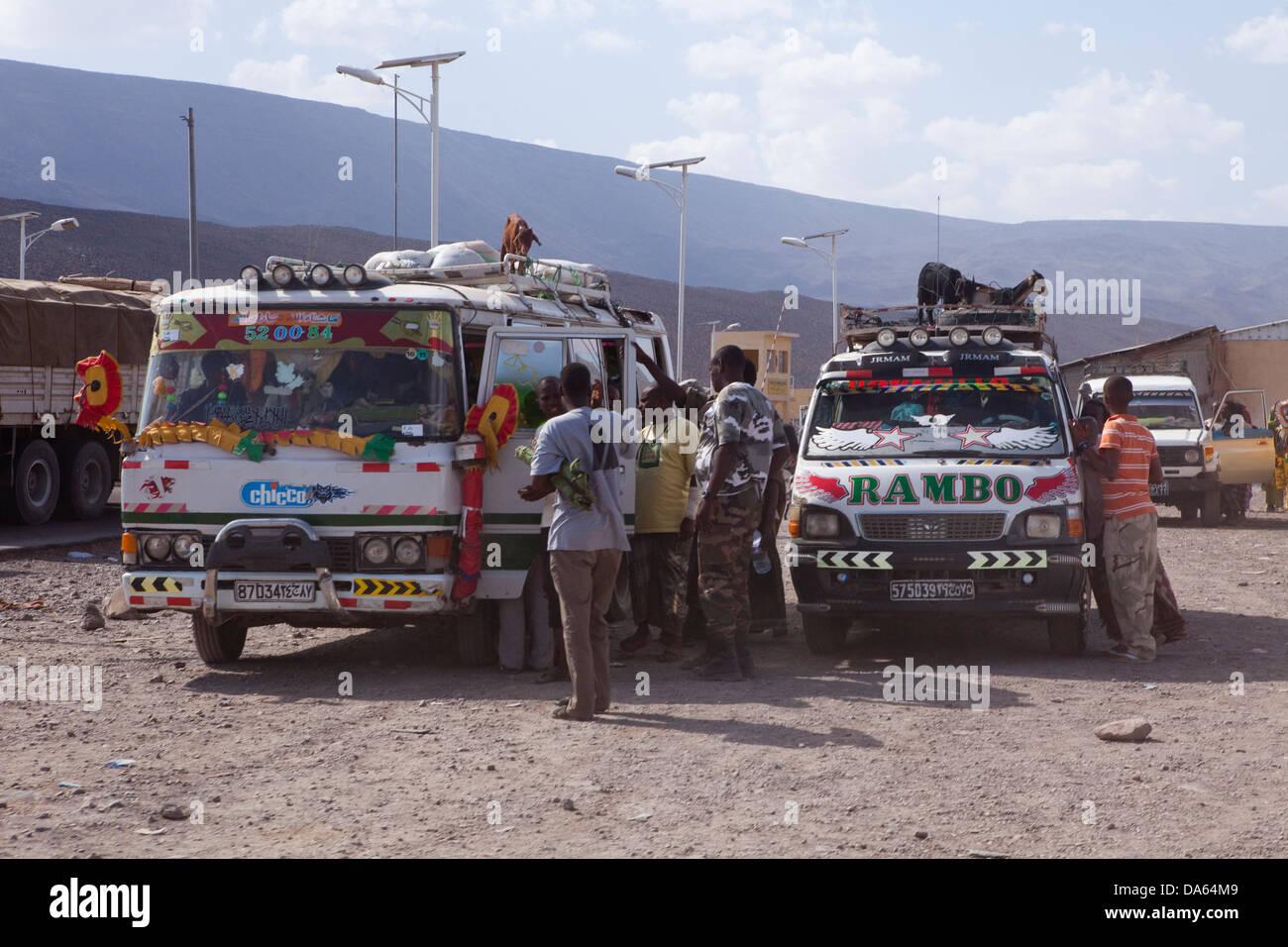 Voitures, Automobiles, pouces, Djibouti, Galifi, Afrique, Danakil, expédition, transport, trafic, l'Éthiopie, Photo Stock