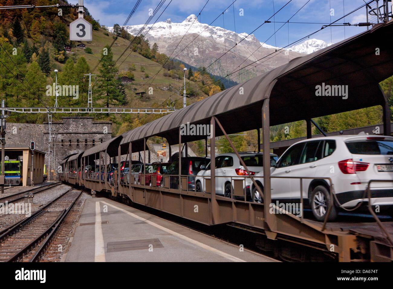 Tunnel, entrée privée, Goppenstein, VERSUS, route, chemin de fer, train, chemin de fer, l'automne, Photo Stock