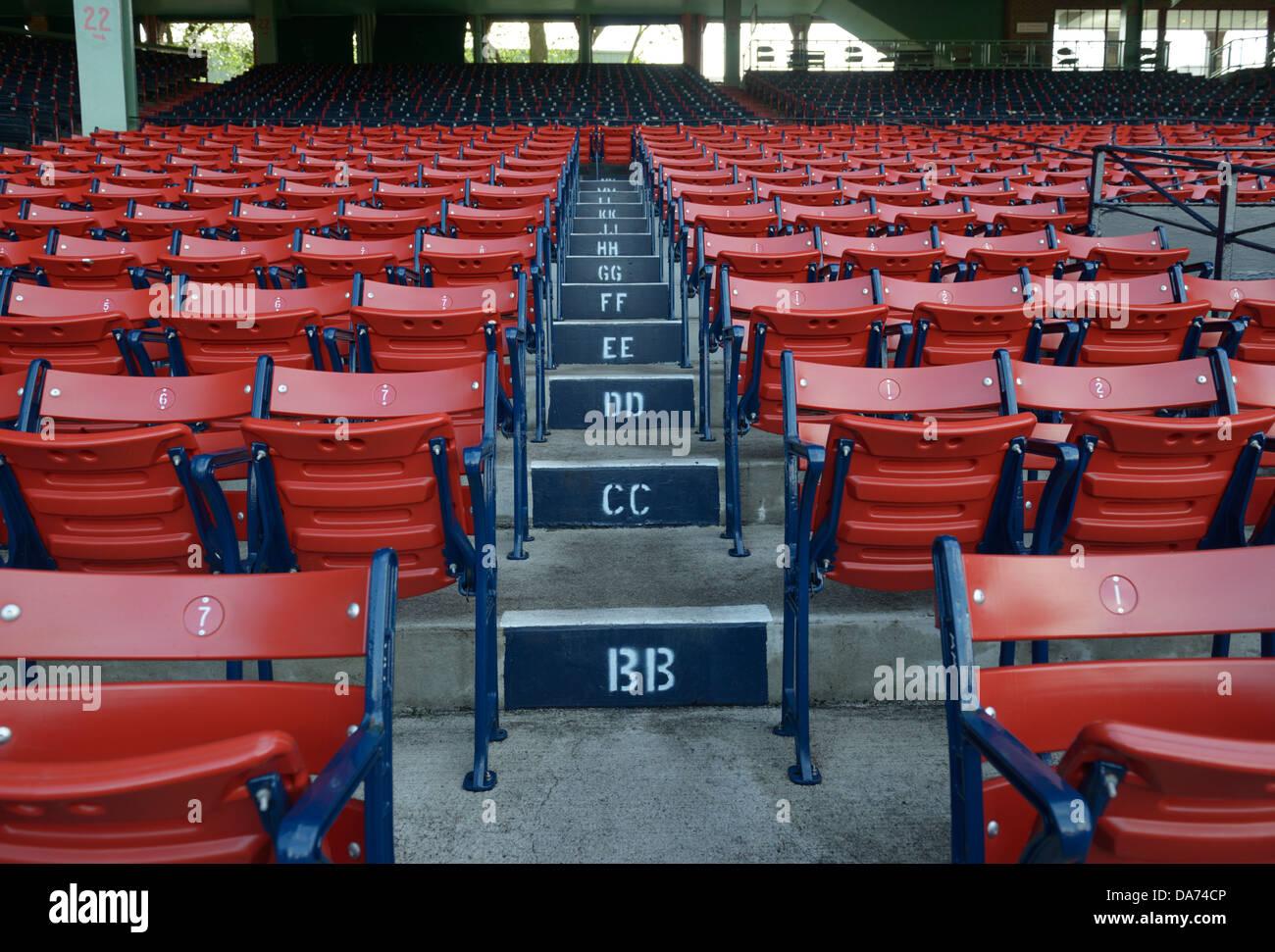 Fenway Park, Boston Massachusetts, home domaine de la Red Sox de Boston, des sièges vides Banque D'Images