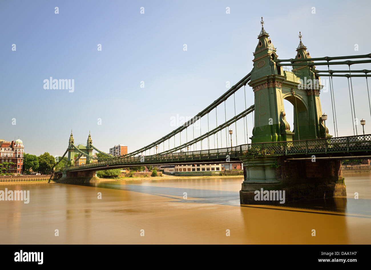 Une longue exposition, pont suspendu de Hammersmith, Londres, Royaume-Uni Banque D'Images