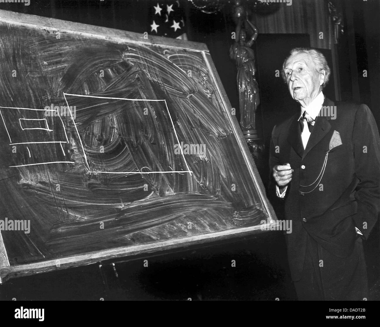 L'architecte Frank Lloyd Wright en 1952. Portrait par photographe Fred Stein (1909-1967) qui a émigré Photo Stock