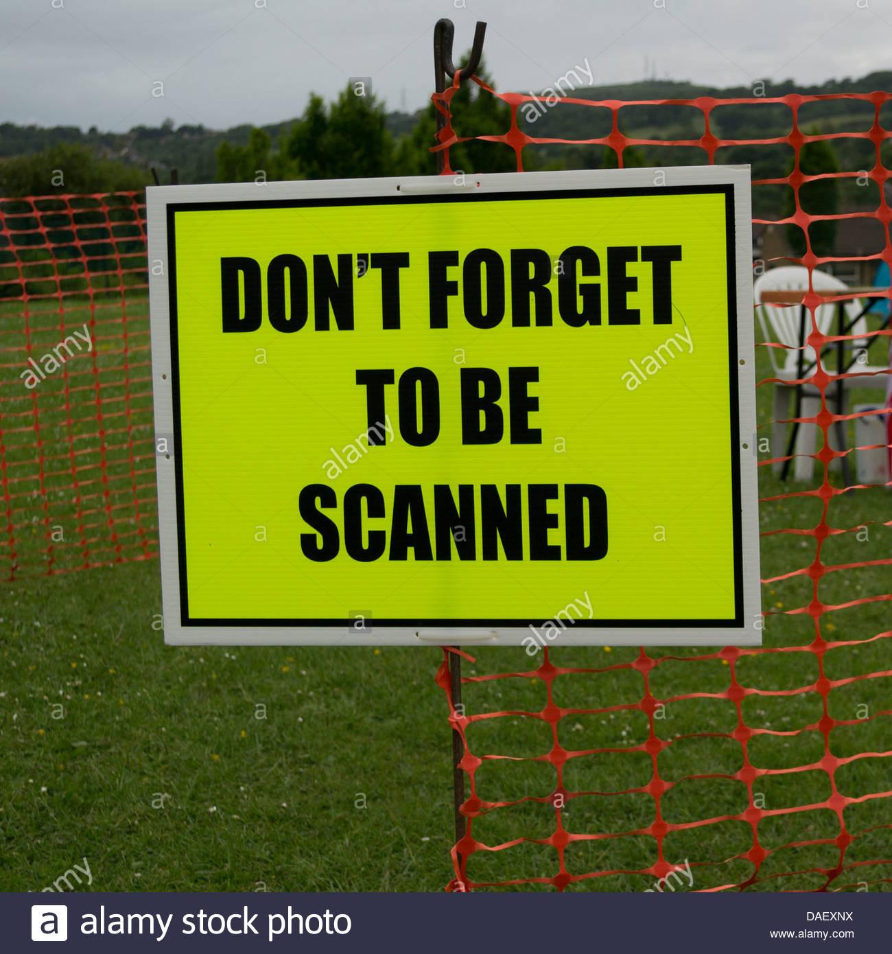 Inscrivez-vous à un point de contrôle sur le défi marche transpennine - n'oubliez pas d'être Photo Stock