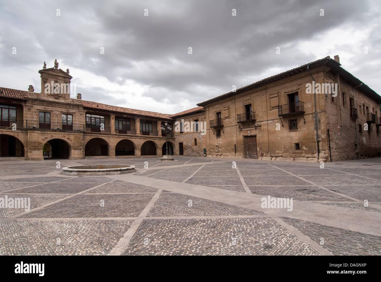 Square sans que personne dans la région de Santo Domingo de Silos, Burgos Photo Stock