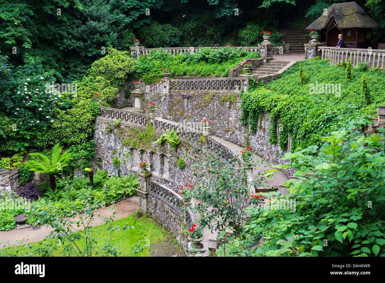 Vue Sur Le Jardin Plantation Norwich Montrant La Terrasse Italienne