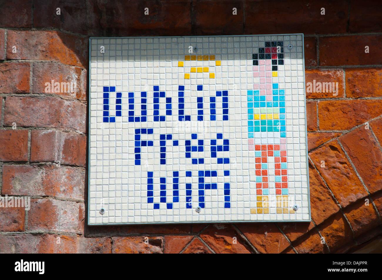 Connexion Wi-Fi gratuite Inscrivez-parc de la cathédrale St Patrick Centre de Dublin Irlande Europe Photo Stock