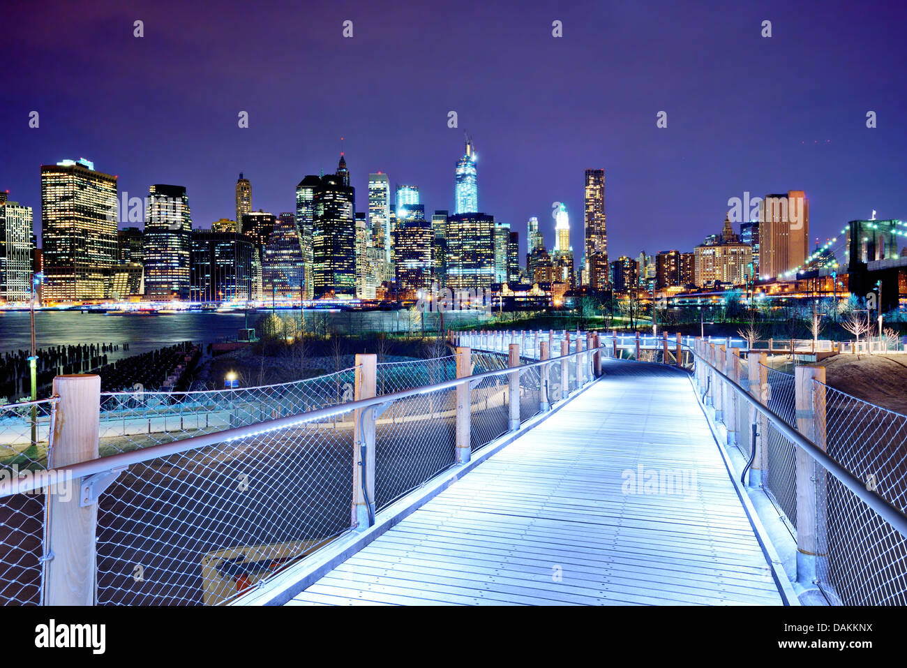Lower Manhattan skyline vue de Brooklyn à New York. Photo Stock
